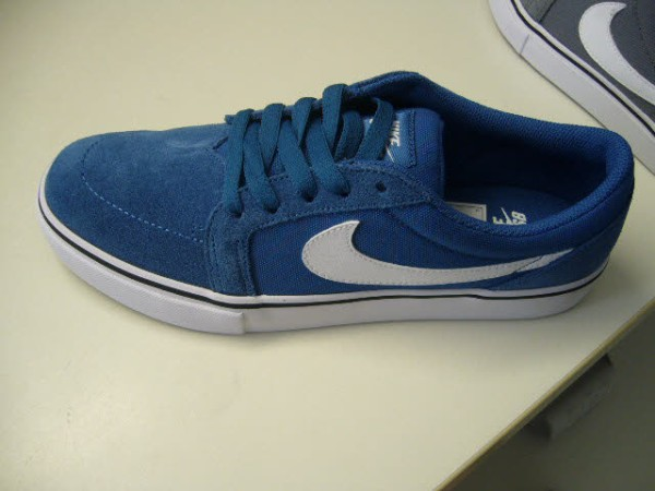 Nike Men`s Nike SB Satire